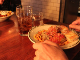Spisesteder i New York - The Meatball Shop