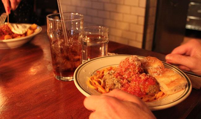 Spisesteder i New York - The Meatball Shop